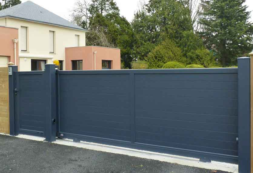 Horizal Contemporary Painted Collection - Jabal - Aluminium Sliding Gates with Pedestrian Gates