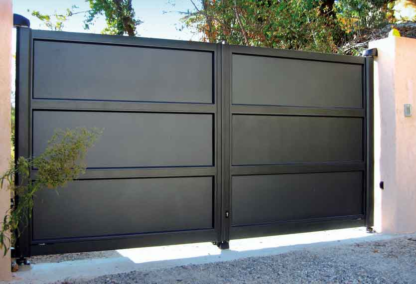 Horizal Contemporary Painted Collection - Mykonos - Black Aluminium Swing Gates