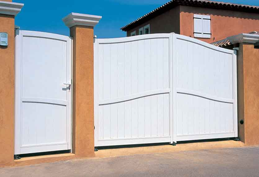 Horizal Contemporary Painted Collection - Piazzi - White Aluminium Swing Gates