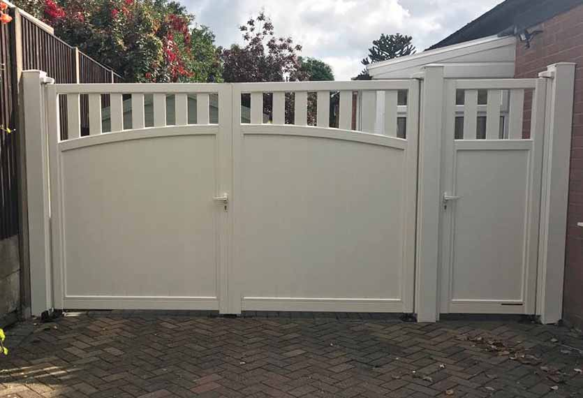 Horizal Contemporary Painted Collection - Solar - Aluminium Swing Gates