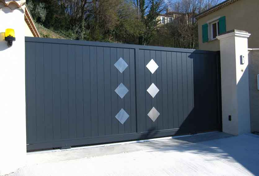 Horizal Stainless Collection - Lyseo Aluminium Sliding Gates