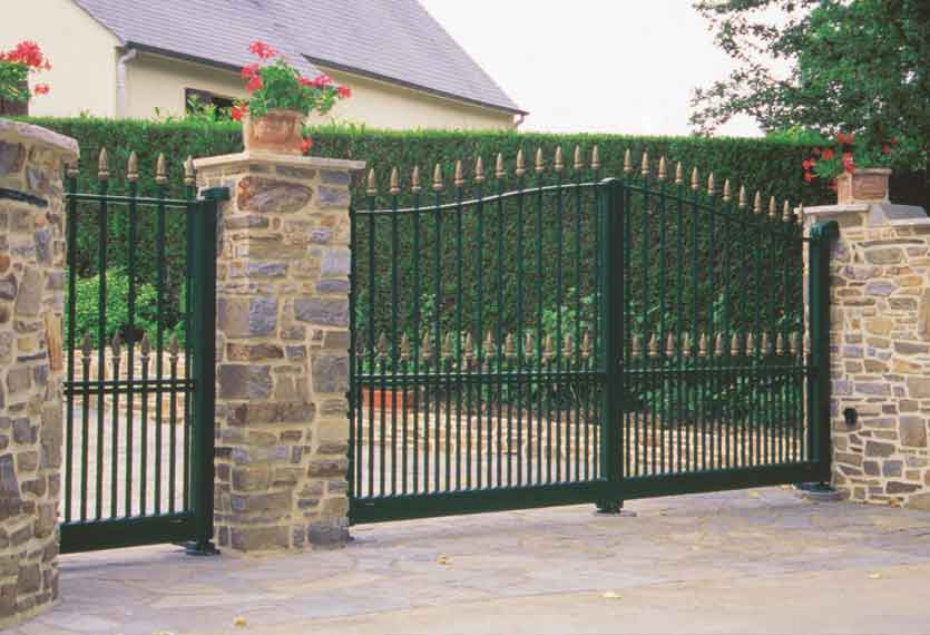 Iris aluminium swinging gate